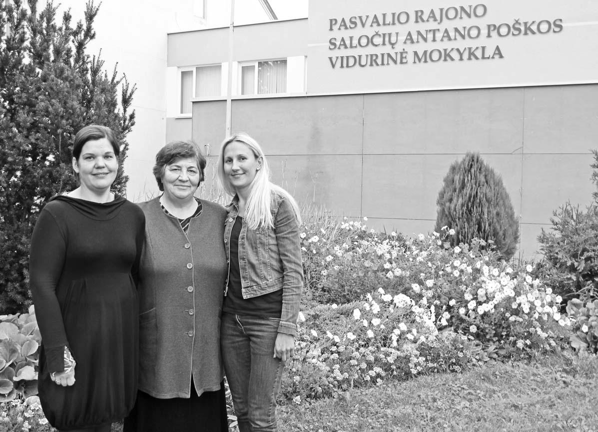 Mokyklos laikų draugės Kristina Čiplinskaitė (dešinėje) ir Asta Kamendoriūtė nostalgiškai prisimena, kaip prieš šešiolika metų Saločiuose jų prancūzų kalbos mokytoja Zina Laurinavičienė organizavo nepakartojamą kelionę į Pietų Prancūziją.