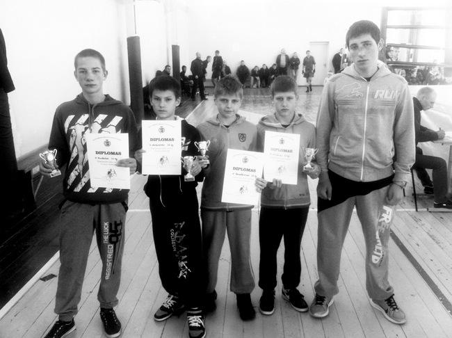 Kalvarijoje kovojusi Pasvalio krašto boksininkų komanda: I. Dunkulis, S. Luzanovas, A. Kazakevičius, D. Balčiūnas ir kitas D. Balčiūnas.