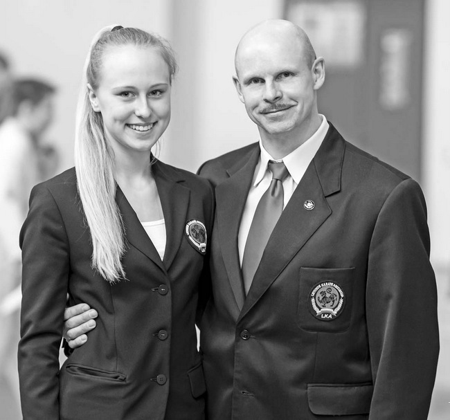 Violeta Mickutė kartu su treneriu Valdemaru Kozlovu.