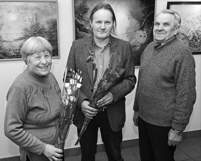 Į parodos atidarymą atvyko jubiliato tėtis Steponas Baliūnas ir krikšto mama Marytė Šimkevičienė.