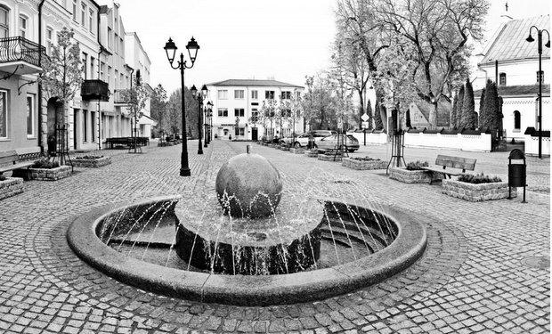 Rugpjūčio mintys prie Pasvalio fontanėlio